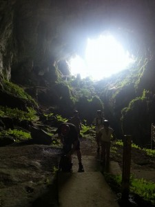 AirAsia Go fly free from Kuala Lumpur to Kuching Sarawak March 2017- fairy cave, bau